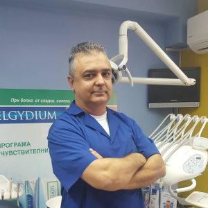д-р Михаил Великов